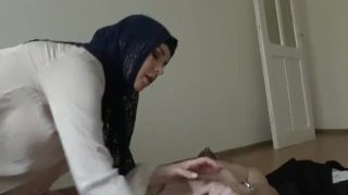 Sex With Muslims – Arab Teen In Burka Getting Naked On Cam